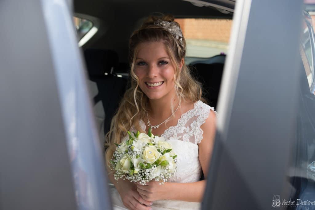 mariée souriante bouquet Lille
