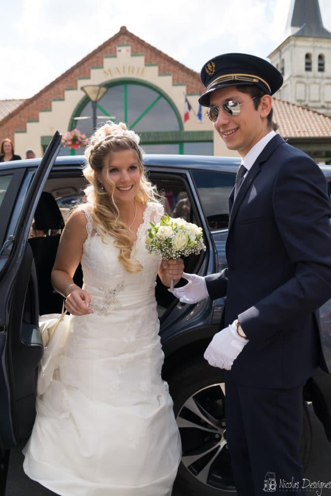 voiture de mariage chauffeur sourire Lille Nord Pas de Calais
